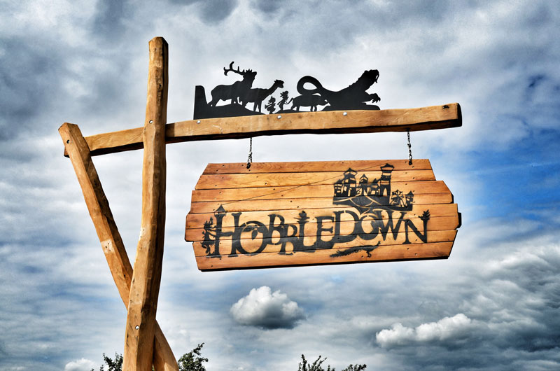 Hobbledown-main-sign